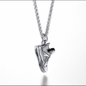 Sneaker Pendant Necklace (Silver)